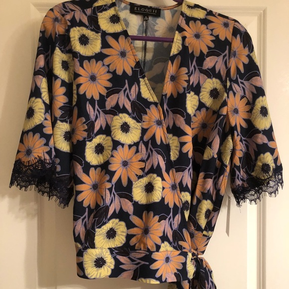 Eloquii Tops - NWT Eloquii crop wrap floral blouse w/ lace accent